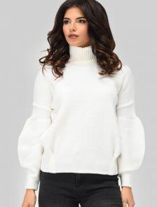 Теплый белый свитер