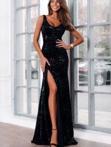 Блестящее длинное платье с пайетками