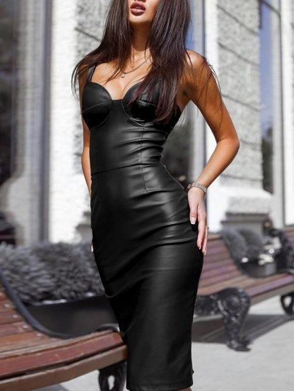 Кожаное короткое силуэтное платье на бретелях, фото 1