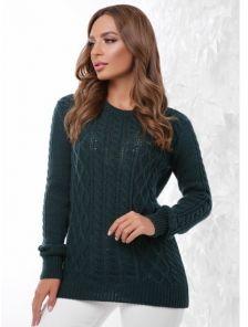 Теплый женский свитер с фигурной горловиной и фактурной вязкой