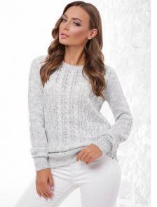 Теплый зимний свитер с фигурной горловиной и фактурной вязкой