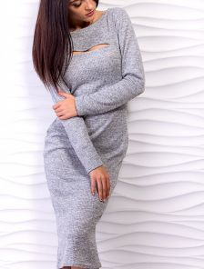 Ангоровое платье-футляр миди длины с вырезом