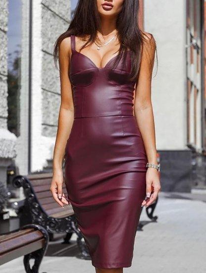 Платье из эко-кожи с выраженой зоной декольте, фото 1