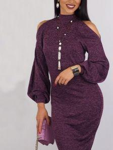 Теплое ангоровое платье цвета марсала с открытыми плачами