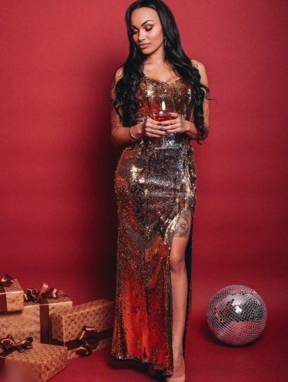 Золотистое платье в пол вышитое пайетками на широких бретелях, фото 1