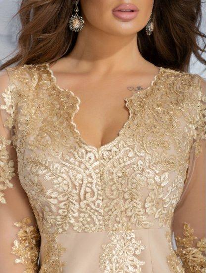 Вечернее силуэтное платье с рукавом 3\4 и золотым кружевом, фото 1
