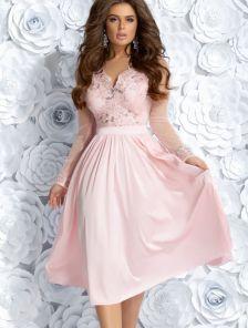 Коктейльное розовое платье с кружевным верхом и пайетками
