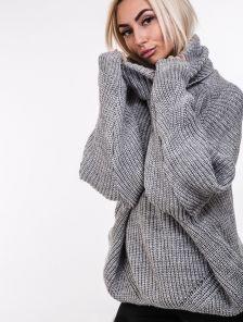 Серый теплый свитер оверсайз с широкой горловиной
