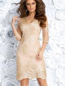 Вечернее силуэтное платье с рукавом 3 и золотым кружевом