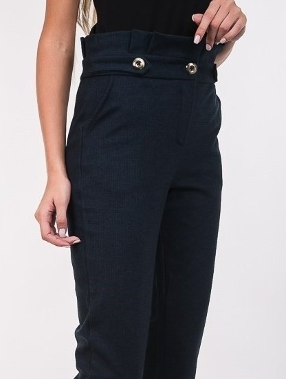 Женские классические брюки с завышеой талией и карманами в синем цвете, фото 1