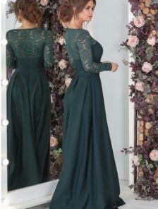 Вечернее зеленое платье c кружевным рукавом