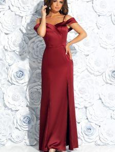 Бордовое атласное вечернее платье в пол с разрезом