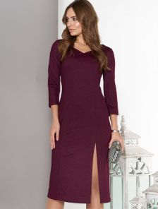 Платье с V-образным вырезом горловины в бордовом цвете