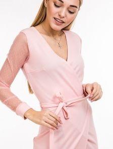 Розовое классическое платье с прозрачным рукавом и V образным вырезом