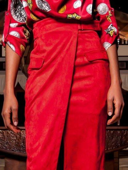 Стильная юбка миди с имитацией запаха в красном цвете, фото 1