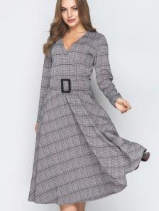 Серое клетчатое платье-миди с расклешенной юбкой с поясом