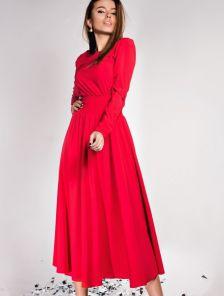 Красное платье-миди с широким поясом