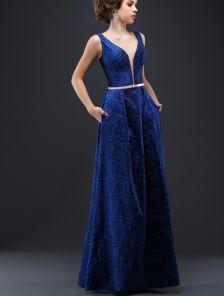 Вечернее синее платье в пол с глубоким декольте