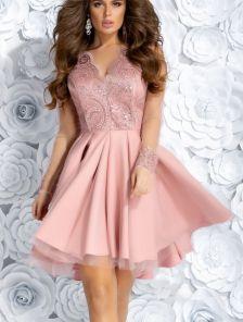 Короткое нарядное платье из фатина с кружевом