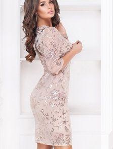 Нарядное платье вышитое пайеткой в нежном цвете