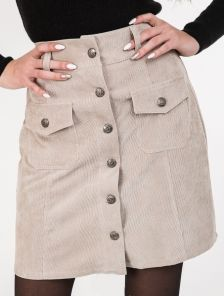 Вильветовая юбка на пуговицах с накладными карманами