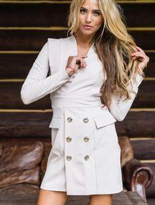 Бежевое платье пиджак с пуговицами