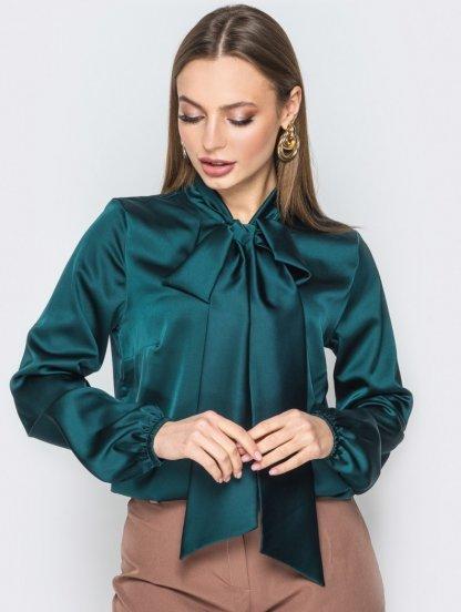 Шелковая офисная блуза изумрудного цвета