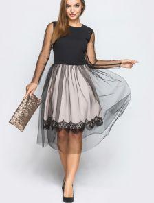 Бежевое нарядное платье по колено с черной сеткой
