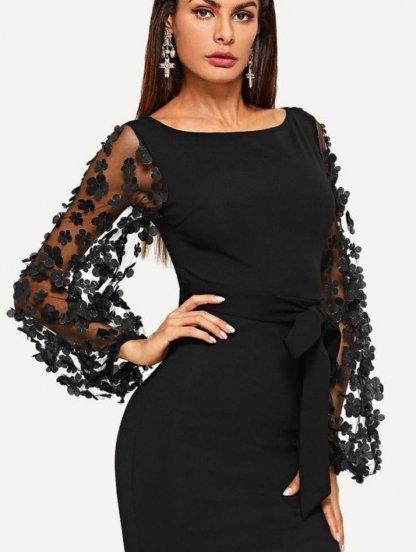 Черное платье по фигуре с поясом и принтованным рукавом длины миди, фото 1