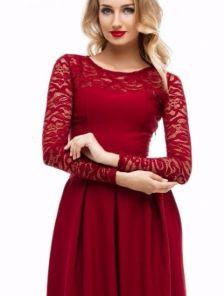 Вечернее длинное платье c кружевом и кружевным рукавом
