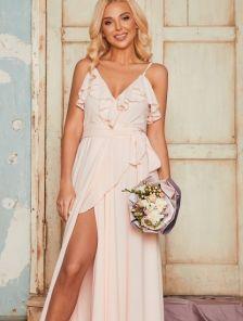 Кремовое вечернее длинное платье с воланами и с запахом