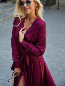 Вечернее шелковистое платье марсала