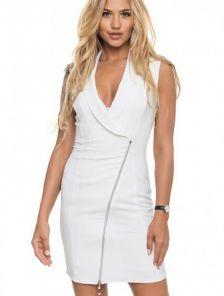 Белое короткое платье с молнией и с декольте