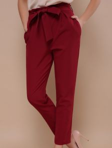 Бордовые брюки с завышенной талией под пояс и карманами