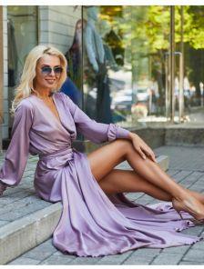 Вечернее лиловое платье с запахом
