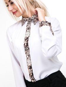 Белая рубашка на пуговицах с манженой леопардовой вставкой