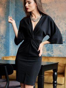 Нарядное красивое платье длины миди с V-образным декольте