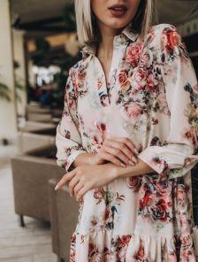 Платье трапеция свободного кроя с цветочным принтом и рукавом 3\4