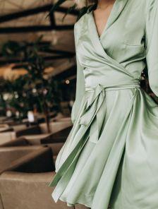 Красивое мятное короткое платье до колен