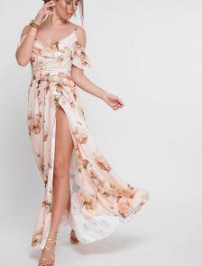 Летнее длинное платье с цветами на тонких бретелях