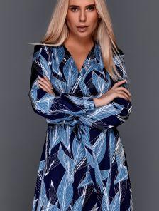 Синее платье миди на запах с длинным рукавом и принтом