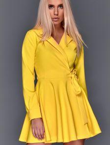 Короткое желтое мини платье с запахом и с пышной юбкой