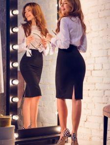 Черная классическая юбка ниже колен