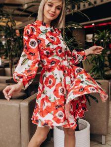 Красивое весеннее короткое платье с цветами