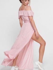 Длинное розовое летнее платье в горошек с воланами