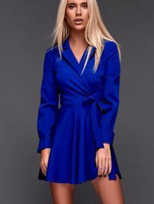 Синее яркое короткое платье с пышной юбкой на запах