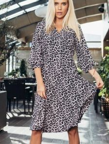 Красивое леопардовое модное платье миди