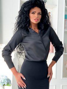 Шелковая черная рубашка с широкими манжетами