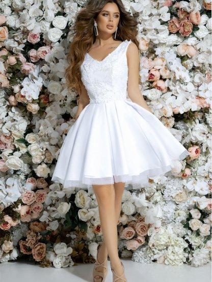 Неотразимое коктейльное платье белого цвета с глубоким вырезом без рукавов, фото 1