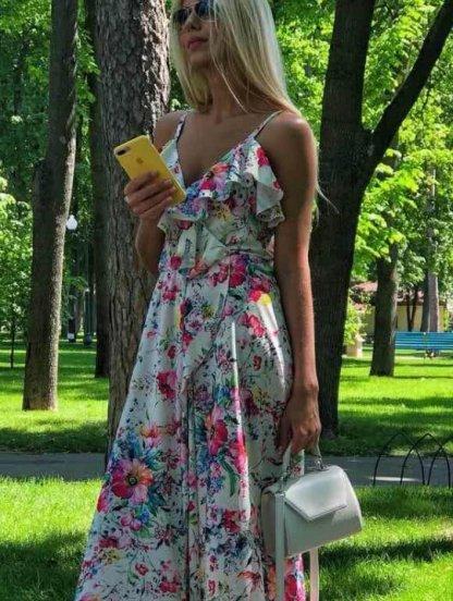 Нарядное атласное платье в цветы, фото 1